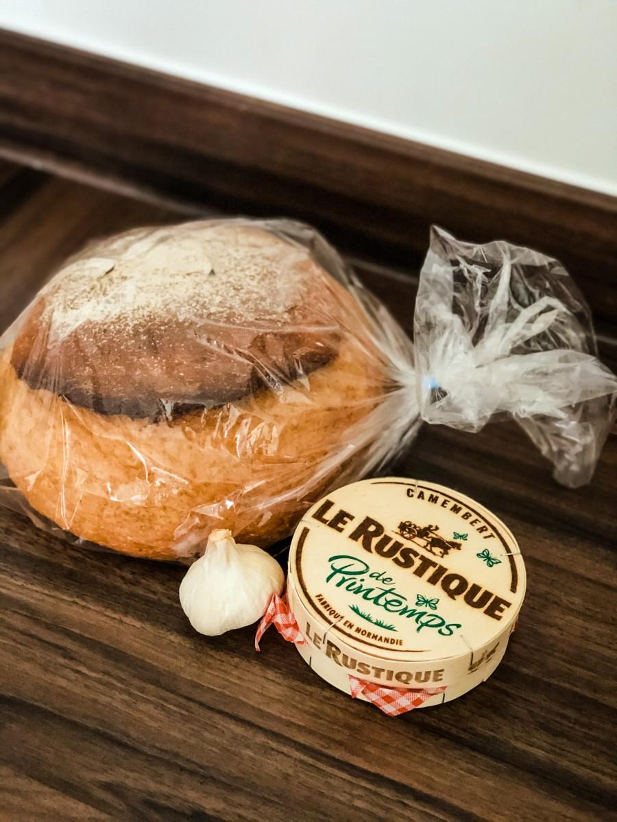 Baked Camembert | Nicole Navigates